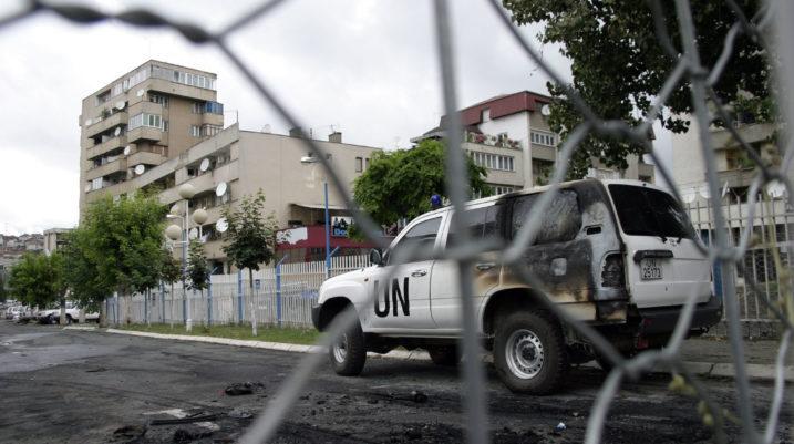 Viti 2000: Kërcënimi me vdekje dhe sulmi ndaj administratorit të UN-së në Suharekë