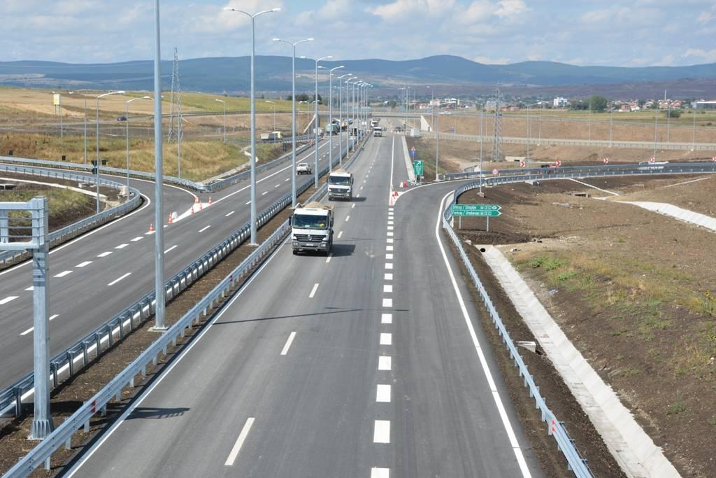 Jo vetëm në rrugën e kombit, paralajmërohet taksë edhe në autostradat e Kosovës