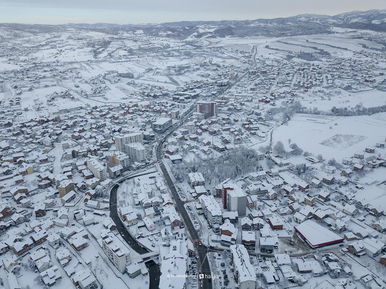 Policia e Kosovës me apel pas reshjeve të shumta të borës