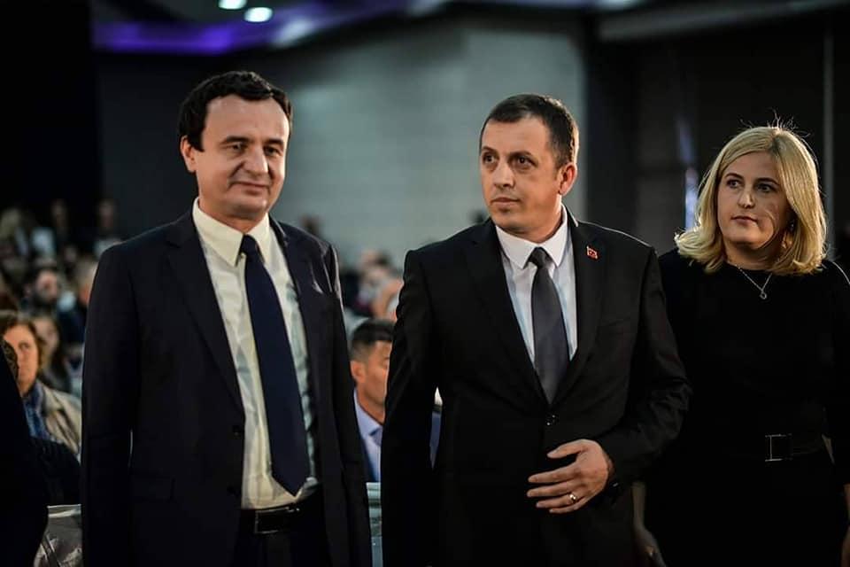 Zyba: Thaçi ka shkuar në Prekaz me i mbush bateritë e patriotizmit para se të shkojë në Hagë