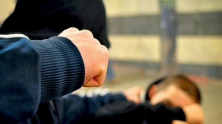 Prizren: Sulmohet dhe ia marrin portofolin me para