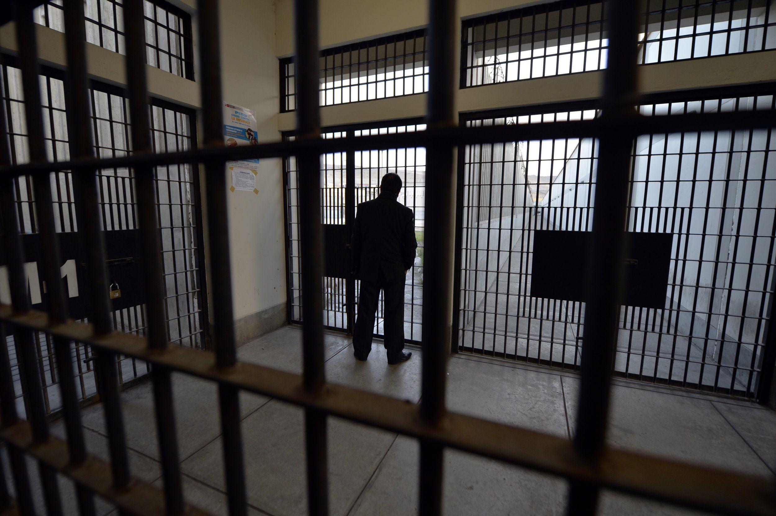 Zbuten masat anti-COVID në burgjet e Kosovës