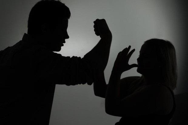 Suharekë: Dhunë në familje, gjuajte më armë zjarri, 2 kanosje