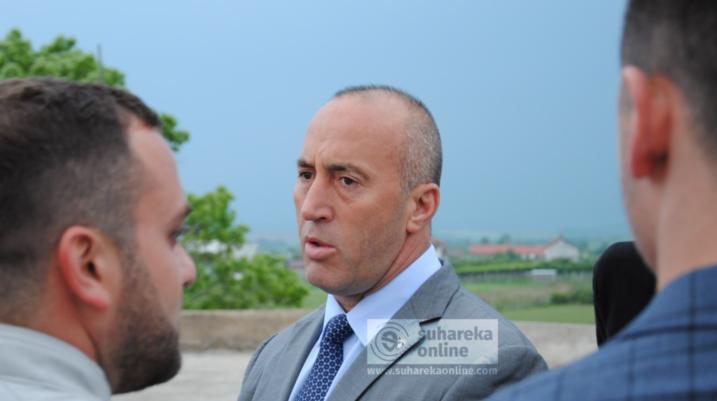 Sot Kryeministri Haradinaj në Suharekë, viziton edhe bizneset