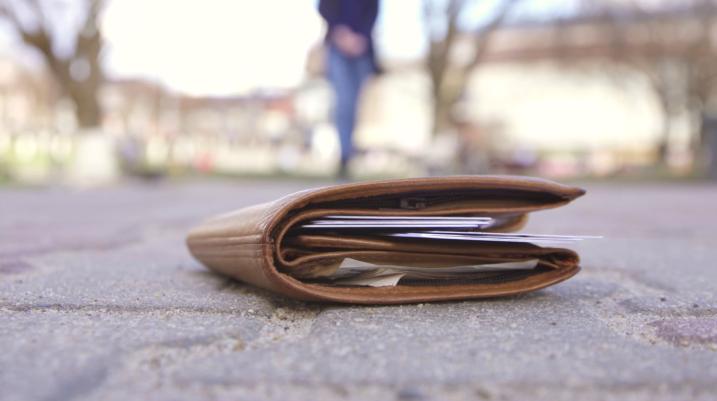 Vjedh portofolin në Prizren, arrestohet i dyshuari