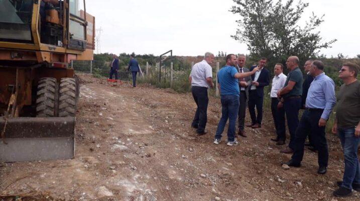 """Fillon ndërtimi i rrugës """"Shqiptari"""" në Studençan"""