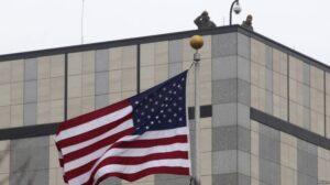 Ambasada Amerikane në Kosovë uron festën e Fitër Bajramit