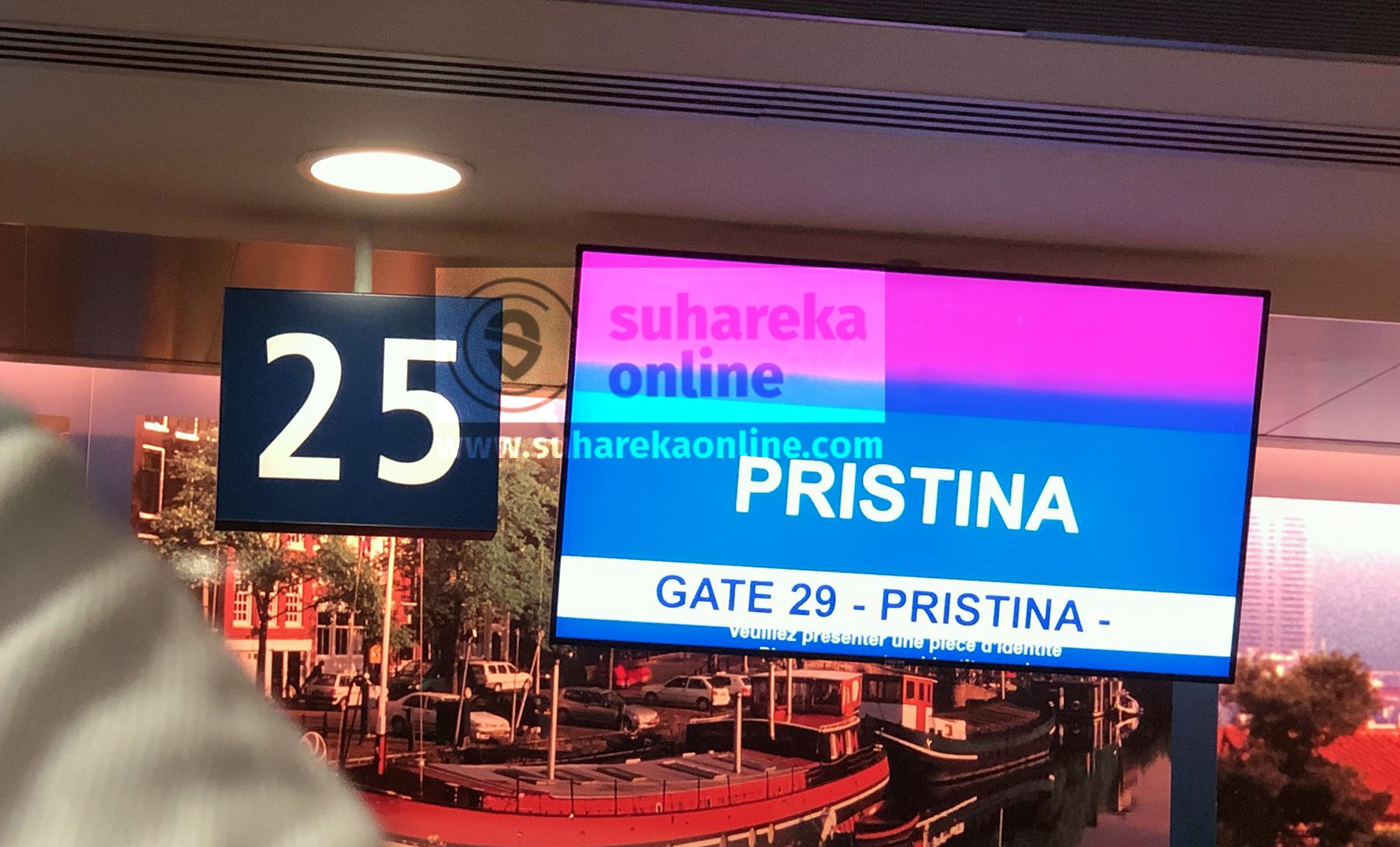 Vetëm në ditën e parë pas hapjes, në Aeroportin e Prishtinës kanë zbritur rreth 3000 udhëtarë