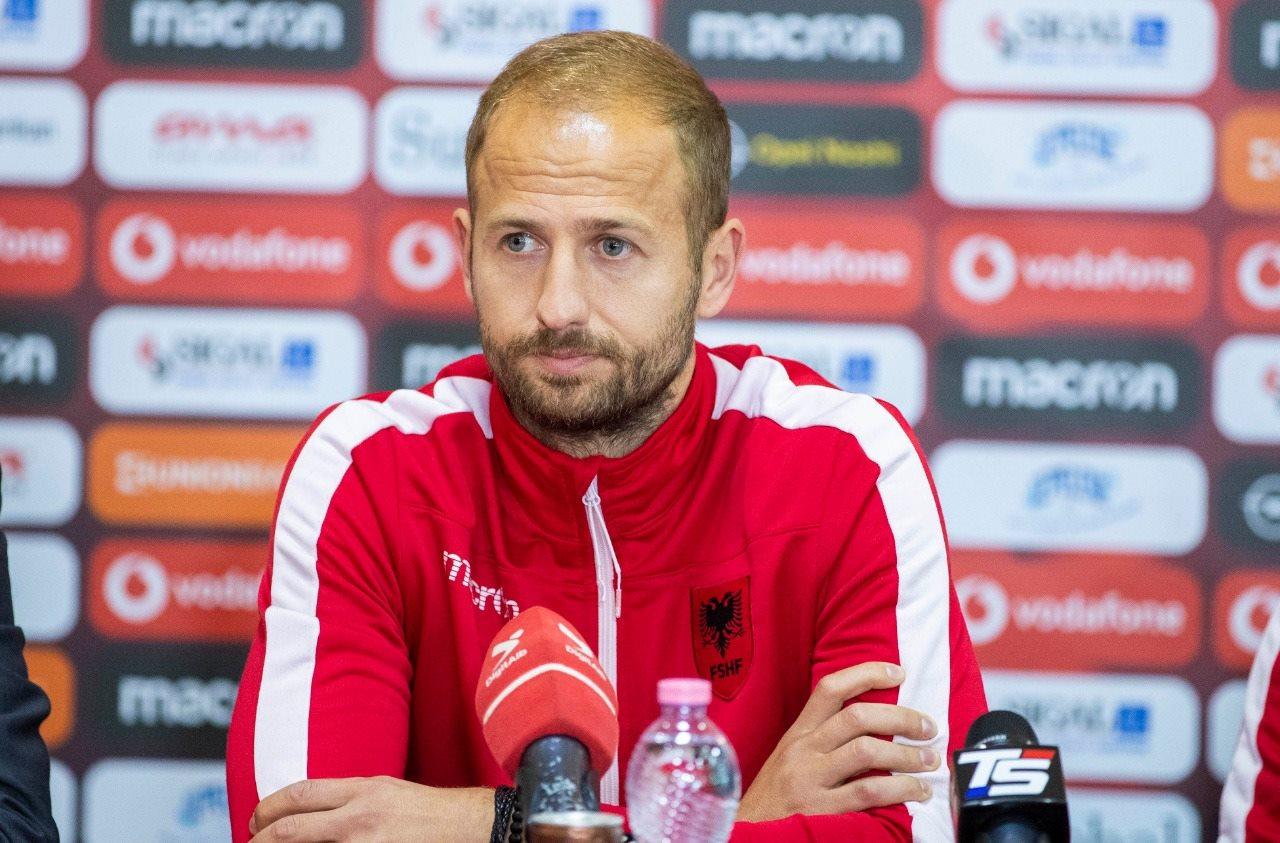 FC Ballkani uron Migjen Bashën për pensionimin e tij nga kombëtarja shqiptare