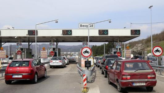 Rritet çmimi i autostradave në Serbi, preken edhe mërgimtarët kosovarë