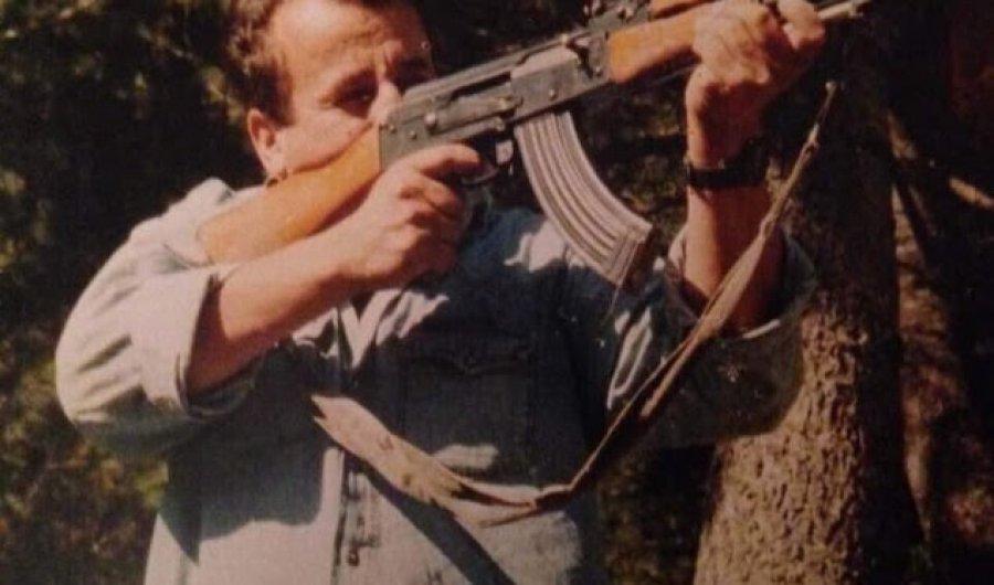 21 vjet nga rënia heroike e Skënder Çekut, i cili u varros në fshatin Semetisht të Suharekës
