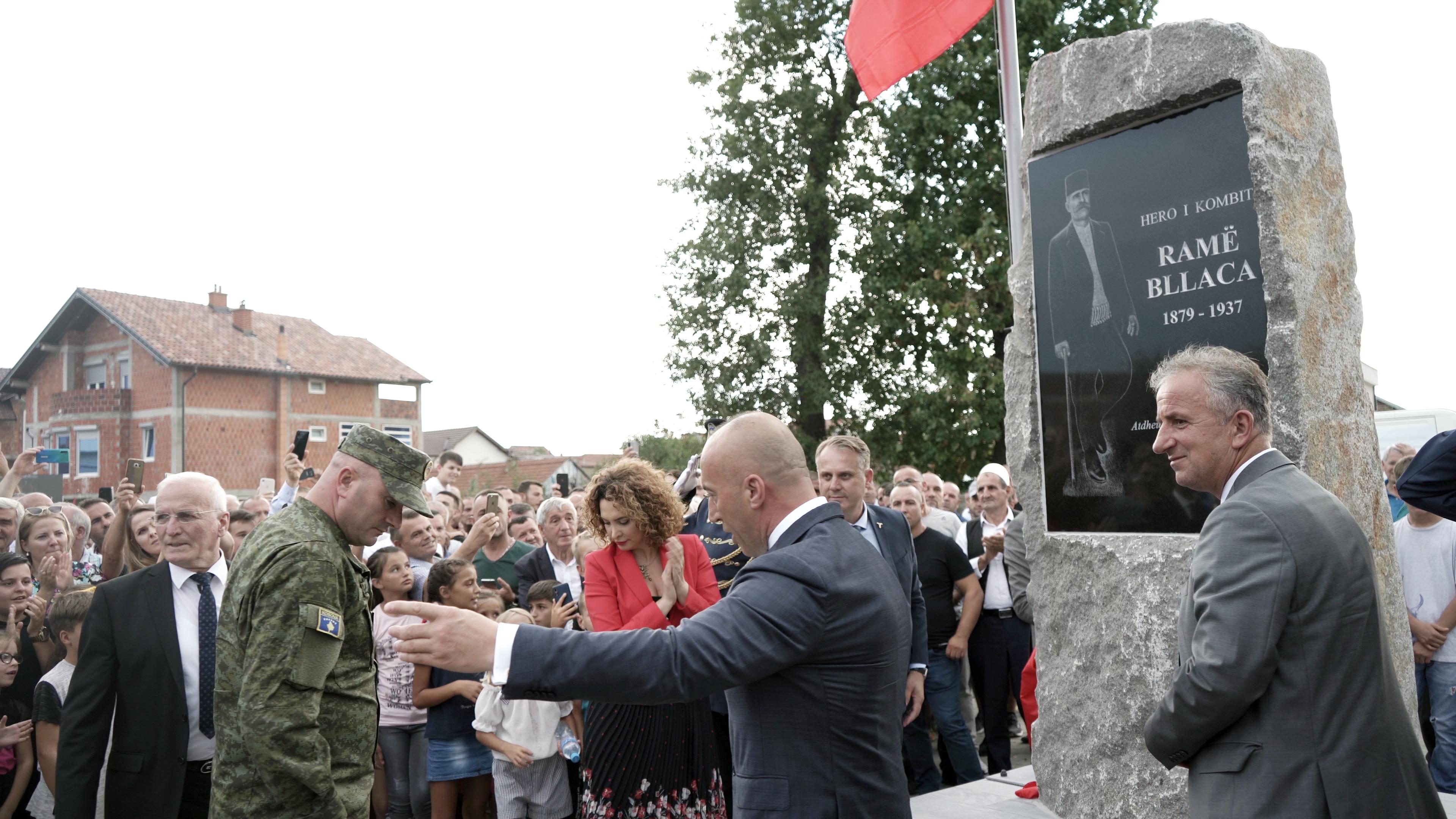 Haradinaj në Suharekë: Me asnjë çmim nuk do ta lëshojmë tokën tonë