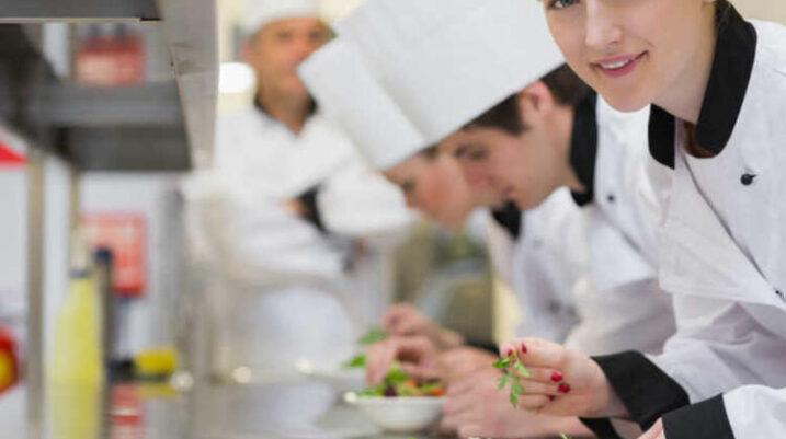 Suharekë: Hapen 11 vende të reja pune në gastronomi