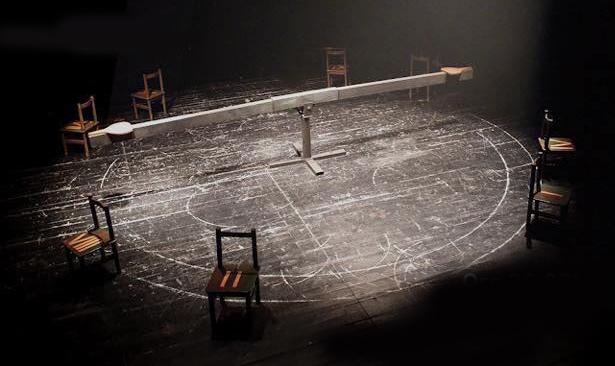 """Të shtunën në Prishtinë jepet premiera e shfaqjes """"Karrigat"""""""