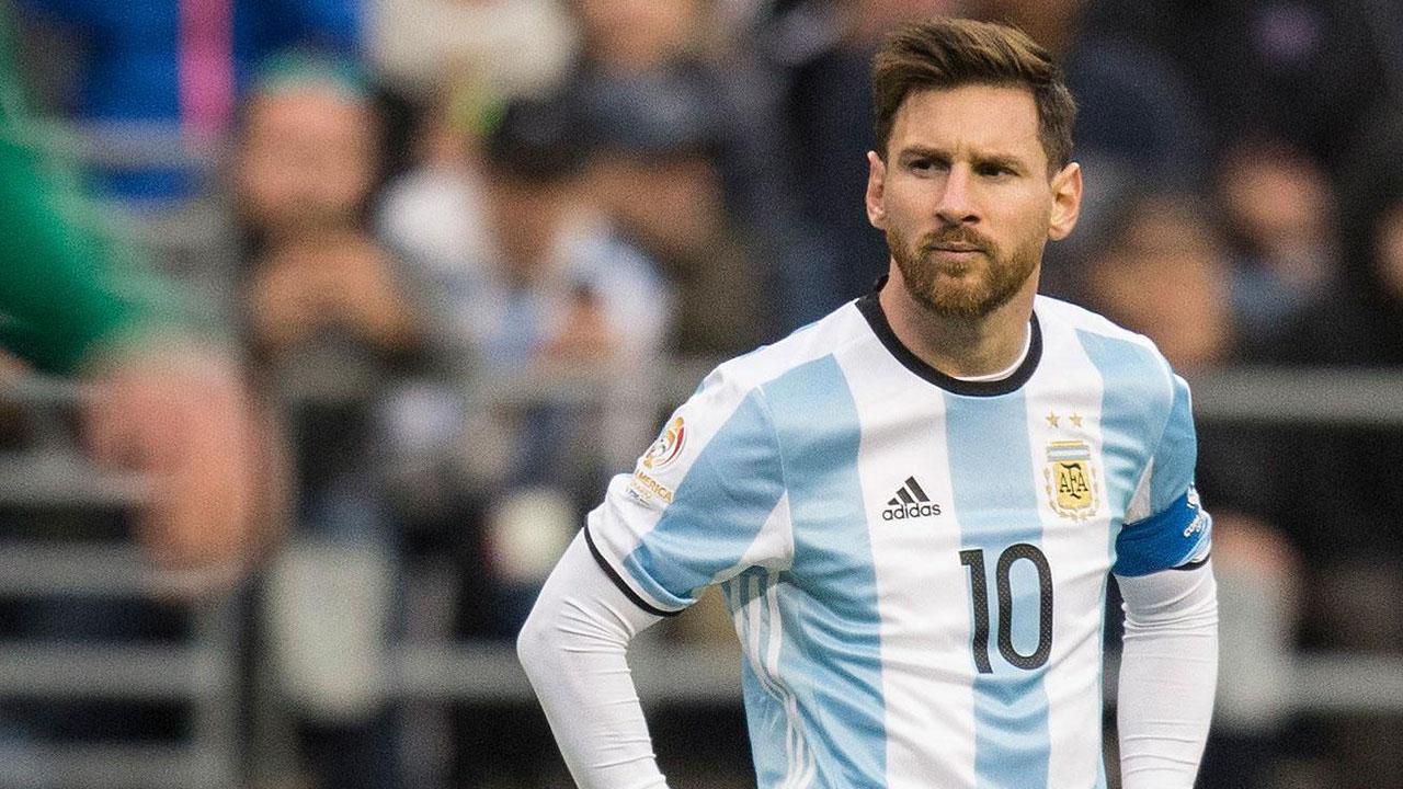 Messi dënohet me tre muaj