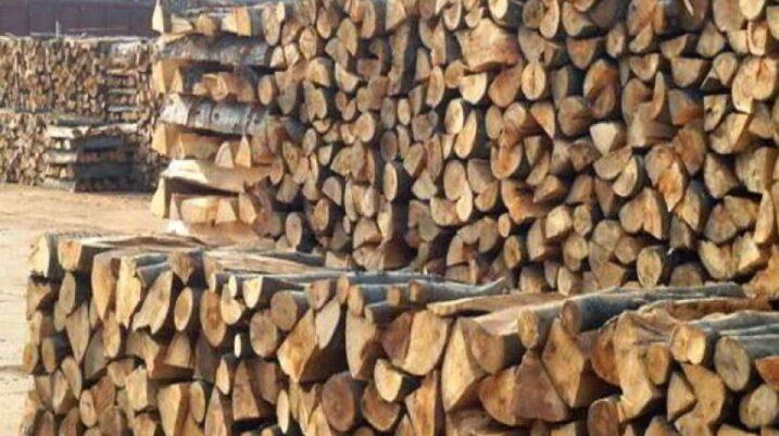 Interesim i madh për dru, shitësit thonë se ka mungesë të kësaj lënde
