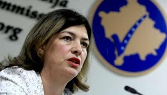 Pasi eskalon situata ndërmjet Vetëvendosjes e Nismës, kryetarja e KQZ-së mesazh partive politike