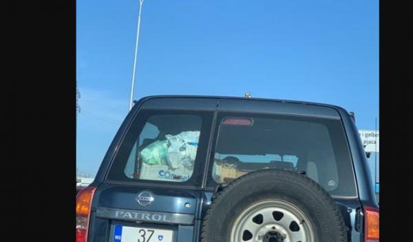 Me veturë zyrtare bartin mbeturina