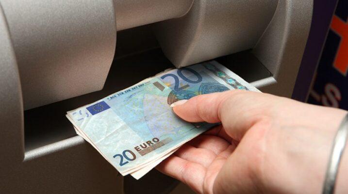 Ligji për paga: Ja kur dalin pagat me rritje në Kosovë