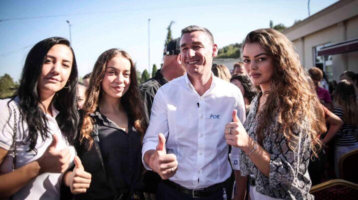 Partitë e tjera u frikësuan nga pakti kundër korrupsionit, qytetarët po e përkrahin anekënd Kosovës