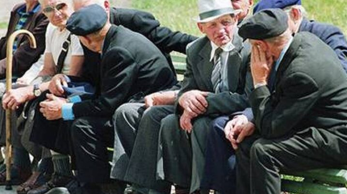 Rreth 80 mijë kosovarë në pritje të pensioneve nga Serbia
