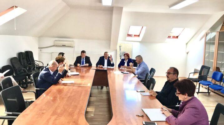 Suharekë: Mbahet mbledhja e 10-të e rregullt e KPF-së, këto ishin pikat që u diskutuan si rend dite