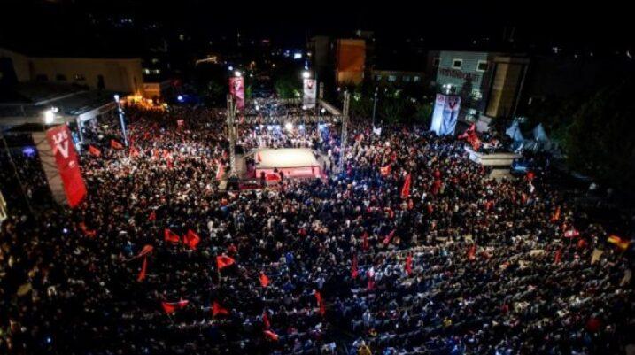 Tubim madhështor i Lëvizjes Vetëvendosje në Prishtinë