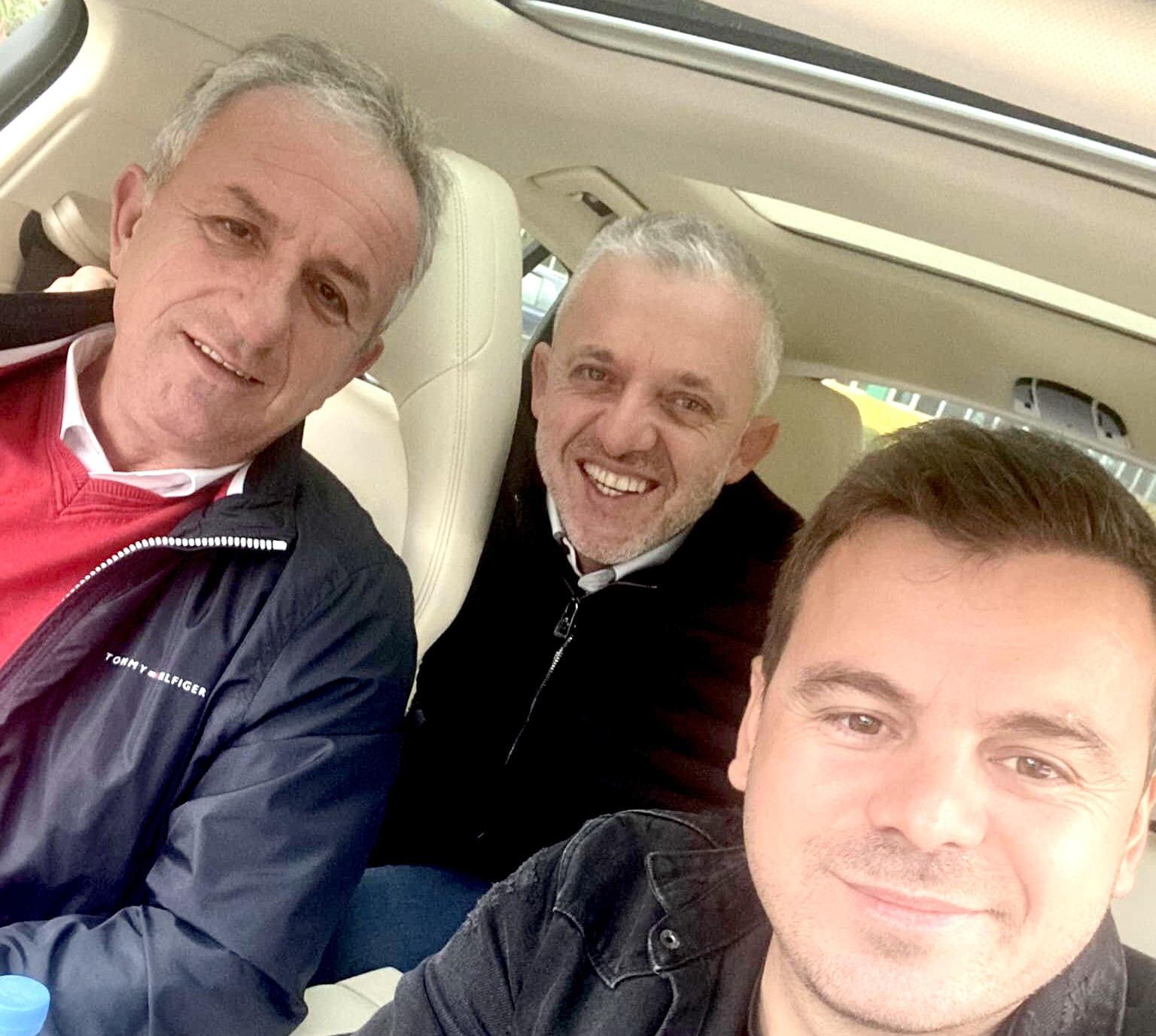 Thaçi, Shpend Ahmeti, Halil Kastrati e Bali Muharremaj në Çeki për ndeshjen me Kosovën