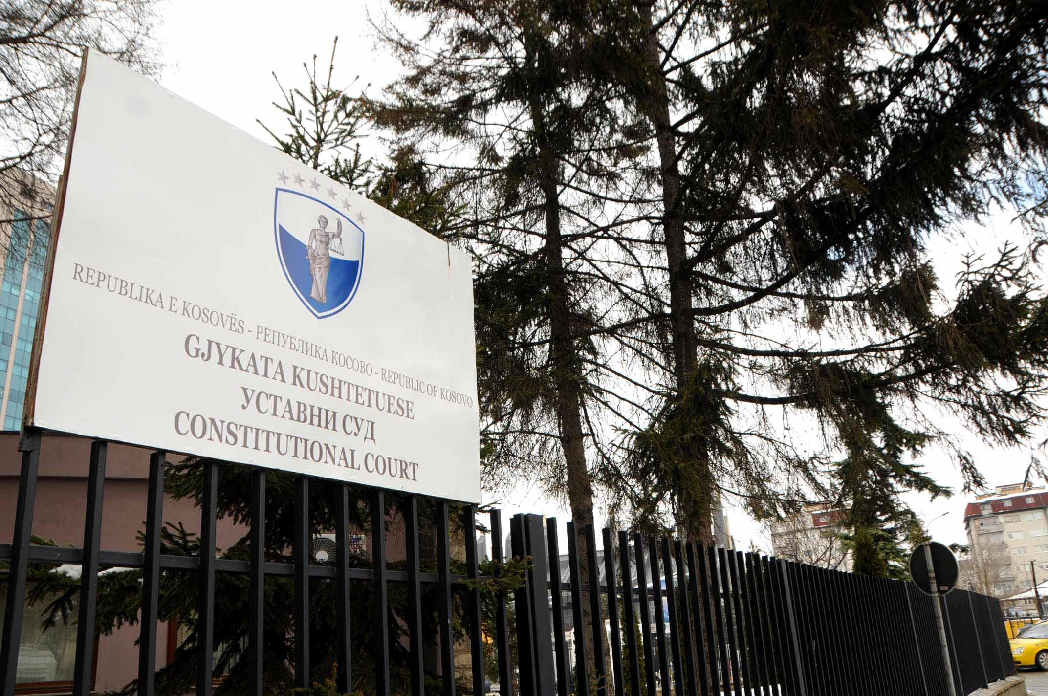 Vota e Haxhi Shalës, Vetëvendosje e çon presidentin në kushtetuese