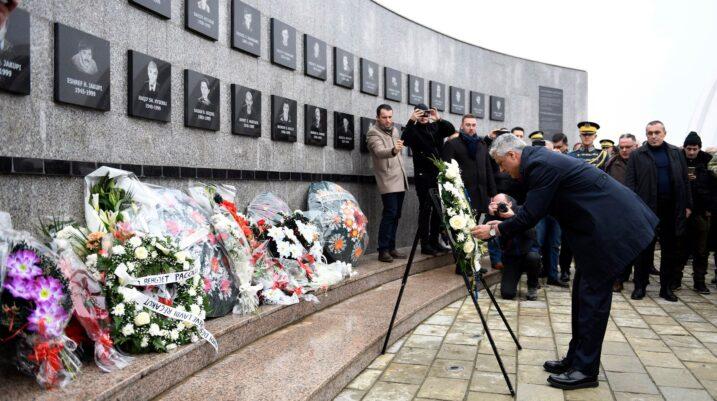 Thaçi: Heshtja ndërkombëtare për gjenocidin serb në Kosovë i ka zhgënjyer qytetarët tanë