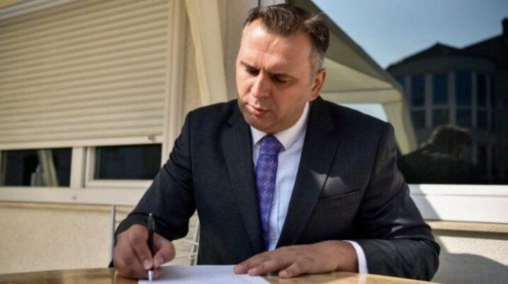 Deputeti i VV-së: Besoj shumë se të dielën do të arrihet marrëveshja VV-LDK