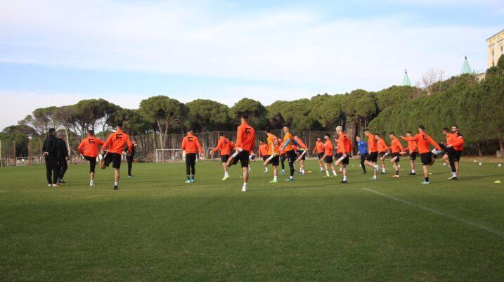 [FOTO] FC Ballkani fillon seancën e parë stërvitore në Antalya