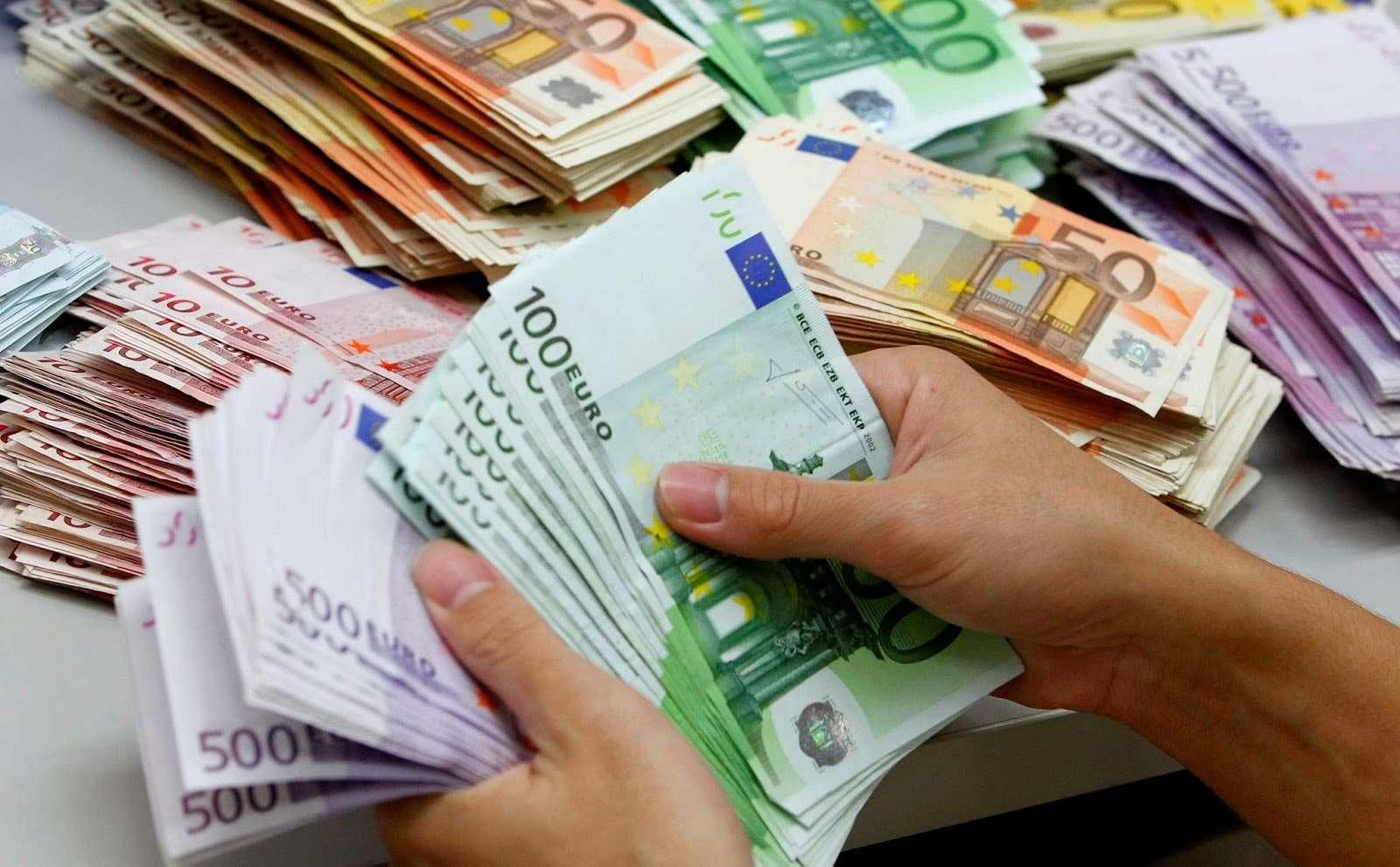 Qeveria ndanë miliona euro për paga shtesë për Doganën, ATK-në, AUV-in dhe Shërbimin Korrektues