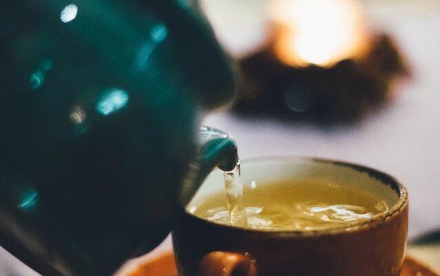 A lejohet përdorimi i çajit të gjelbër dhe xhenxhefilit në shtatzëni?
