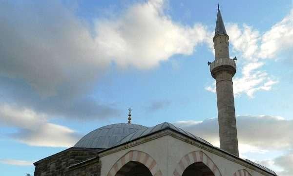Hajnat vjedhin 60 euro në një xhami në Prizren