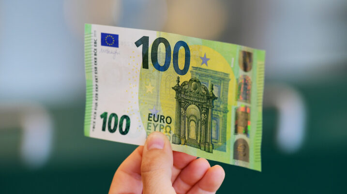 Një person në Prizren kryen blerje me 100 euro të falsifikuara