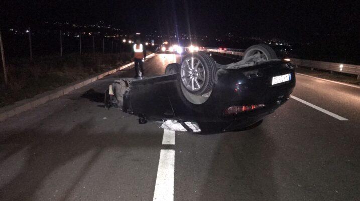 Katër persona të lënduar nga një aksident në autostradë në dalje të Suharekës