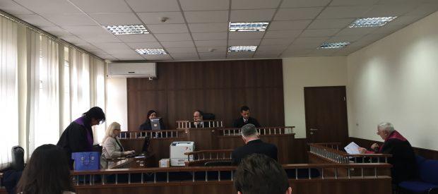 Prokuroria kërkon që tekniku i pyjeve në Komunën e Suharekës të shpallet fajtor, mbrojtja kërkon lirimin e tij
