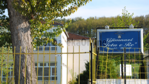Mbi 70 mijë nxënës në shkollat e mesme të Kosovës, gjimnazet më të preferuara nga vajzat