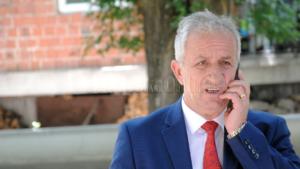 Komuna e Suharekës shpenzoi mbi 27 mijë euro për telefoni mobile