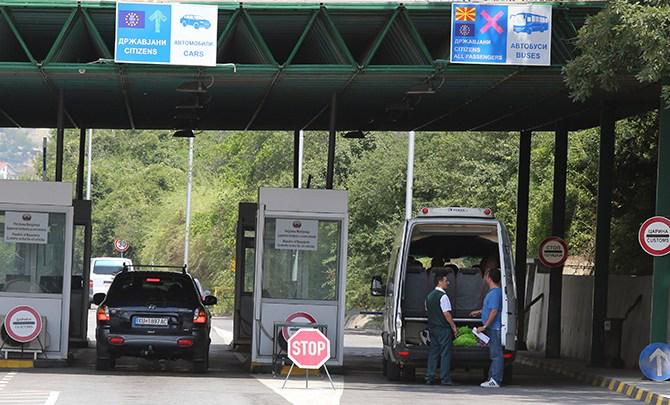 Në pikat kufitare të Kosovës me Maqedoninë e Veriut dhe Malin e Zi, po kërkohet test negativ për Covid-19