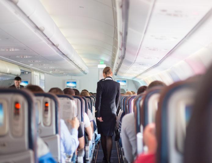 Sa është e sigurt të udhëtosh me avion gjatë pandemisë me COVID-19?!