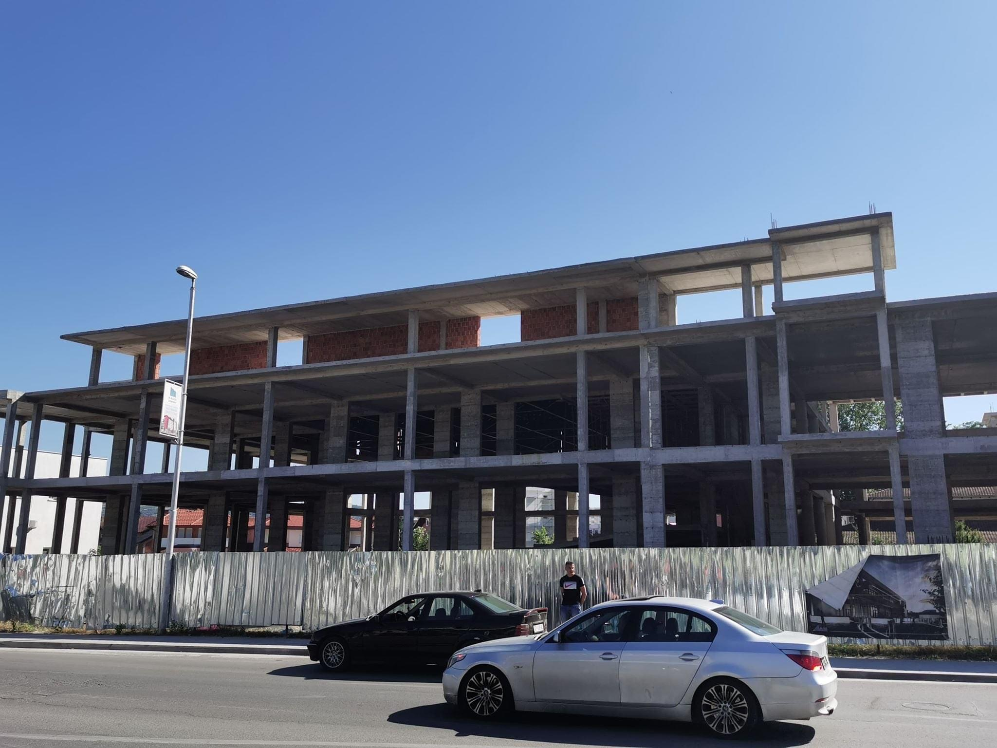 """LVV: LDK dhe AAK nuk marrin përgjegjësi për dështimin në ndërtimin e Shtëpisë së Kulturës """"Ukë Bytyçi"""""""