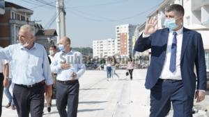 """LDK e Suharekës viziton bizneset e """"dëmtuara"""" nga punimet në Rr. Brigada 123"""