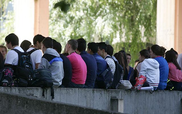 Shqetësuese, në rajonin e Prizrenit, Suhareka prin për nga numri i qytetarëve pa shkollim fillor
