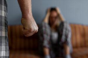 Ministrja e Drejtësisë: Rastet e dhunës në familje do të trajtohen me seriozitet