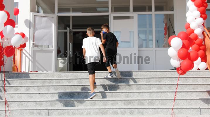 Në rast të përkeqësimit të situatës me COVID-19, ministria paralajmëron mbylljen e shkollave