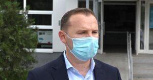Zemaj: Shëndeti i qytetarëve mbrohet me vaksina, jo me parulla politike
