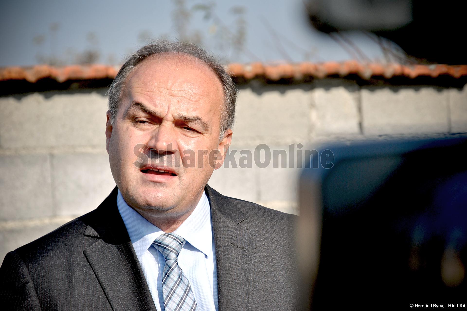 Hoxhaj: Vjosa Osmani është e varur politikisht nga Albin Kurti