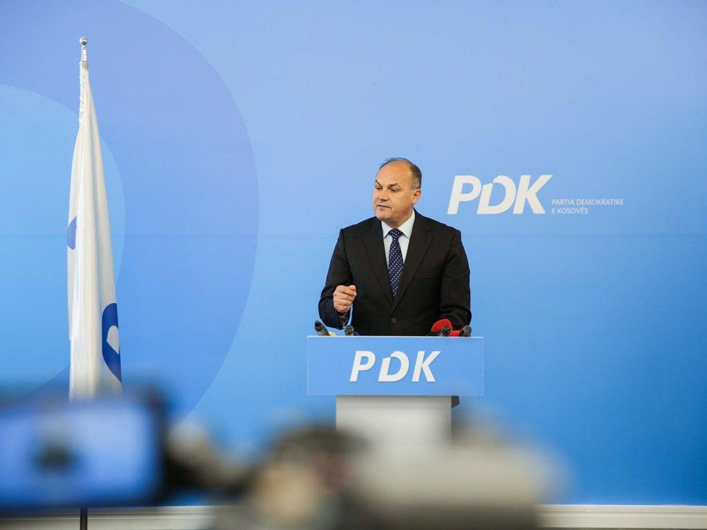 Hoxhaj: PDK nuk ka votë për Vjosa Osmanin për presidente
